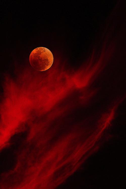 Moon rising…